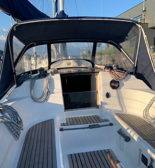 Dufour_32_cockpit2